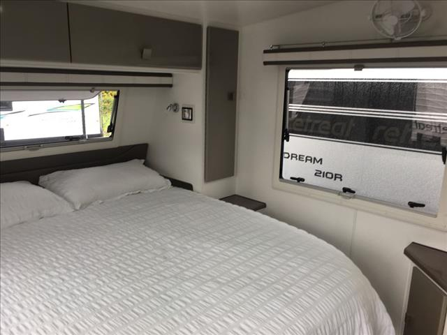 2017 RETREAT HAMILTON 210C CARAVAN