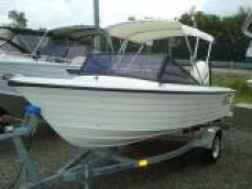 VICKERS EASYRIDER RUNABOUT 4.4mt