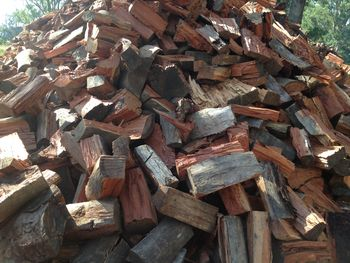 Get Bulk Redgum Firewood for Sale