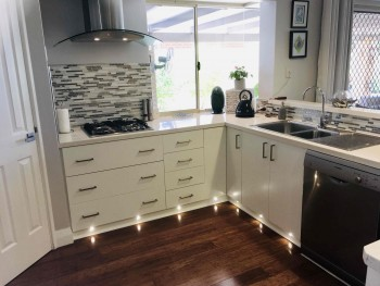 Local Kitchen Cabinets Makers Cranbourne