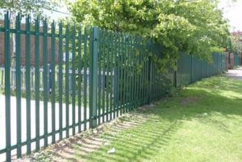 fencing contractor in Ellenbrook
