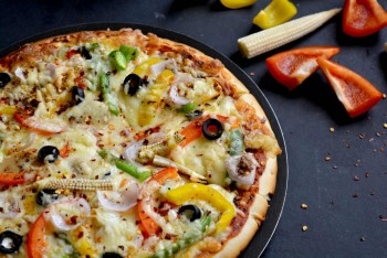Pizza 15%  0FF @ Aroma's Pizza House