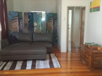 Rent room or the house cairns