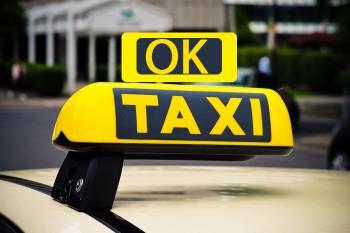 Taxi to Melbourne airport | Airport taxi  services - OkTaxi
