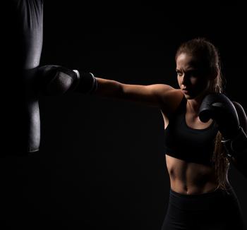 Best Class to Learn Women Kickboxing in