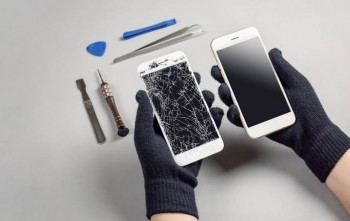 iPhone Screen Repair Shop in Melbourne
