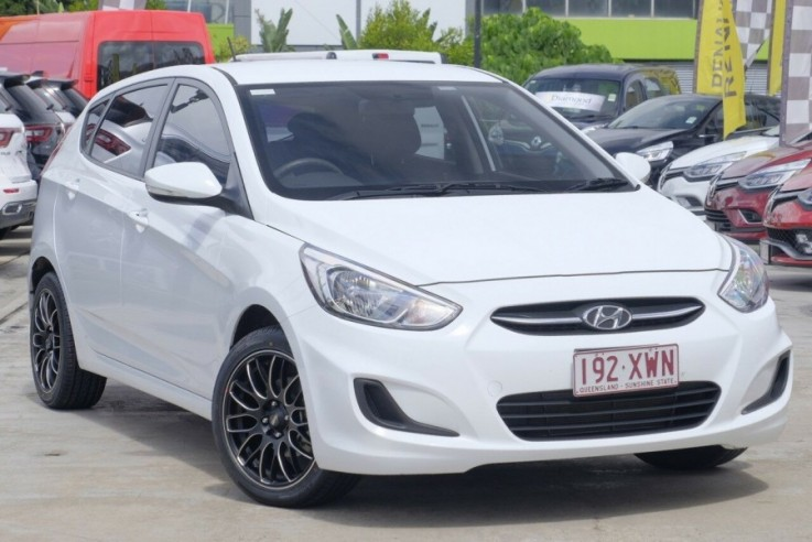 2016 Hyundai Accent Active