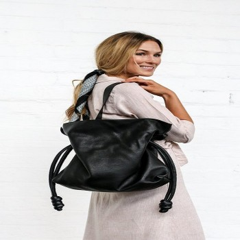 Browsing for Wholesale Leather Bags?