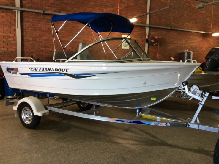 2017 Quintrex 430 Fishabout with Bimini