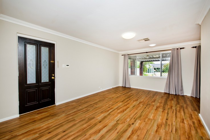 HOUSE FOR SALE IN BASSENDEAN