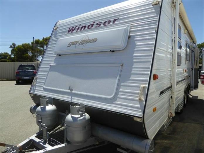 2006 WINDSOR GENISUS 638 Caravan
