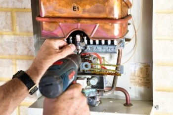 Need to hire a professional hot water sp