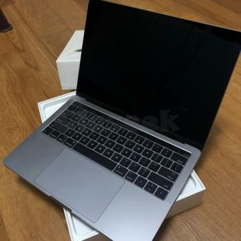 MacBook Pro 2018 256 GB space gray