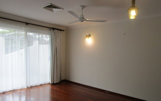 8 Downing Street @ $350 Weekly