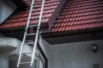 Top Tips to Hire Roofing Contractors
