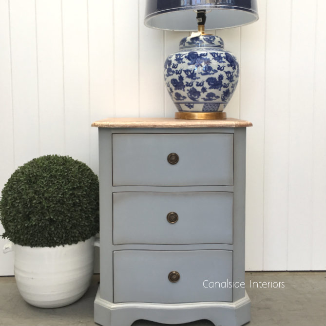Mignon Bedside - Distressed Grey with Li