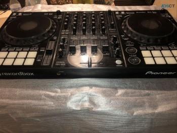 Brand new Pioneer DDJ-1000 DJ d
