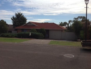64 Kingshill Circuit @ $430 per week