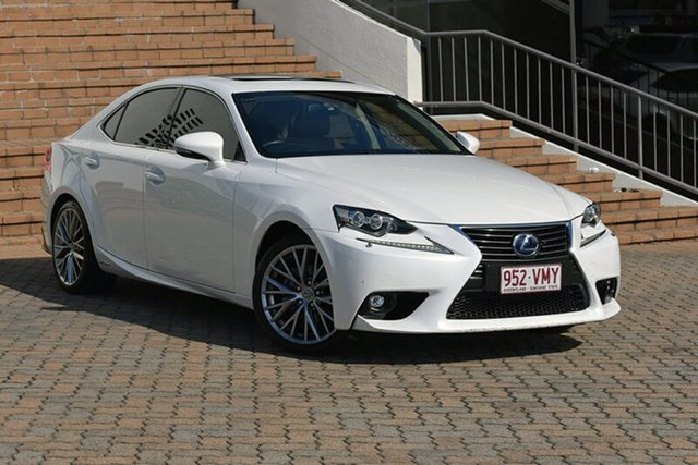 2015 Lexus IS300H Luxury Sedan