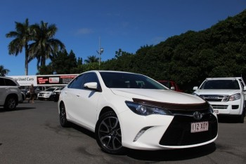 2015 Toyota Camry Atara S Sedan (White)