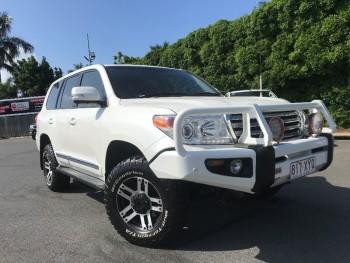2013 Toyota Landcruiser Sahara Wagon (Wh