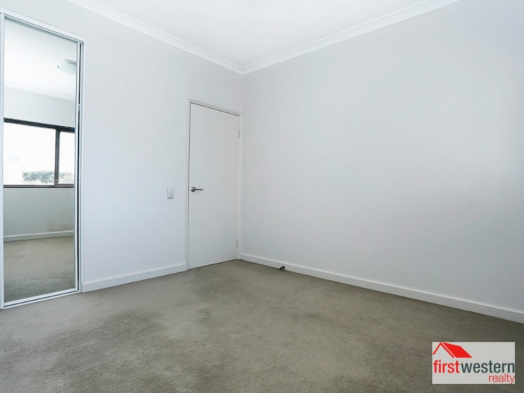 13/1 Walsh Loop, JOONDALUP