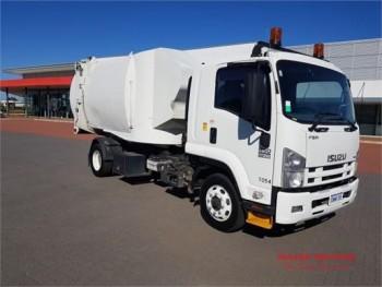 2011 Isuzu FSR 850 Waste Disposal