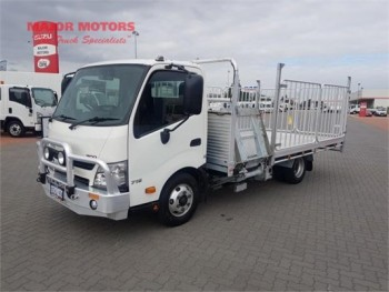 2010 Hino 300 Series 716 Table / Tray To