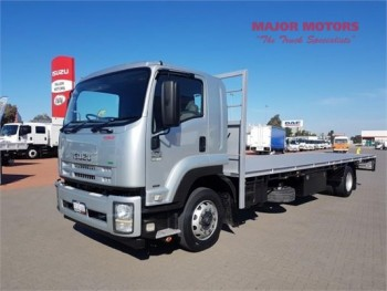2013 Isuzu FTR 900 Table / Tray Top
