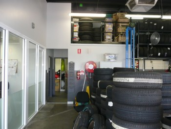 Kmart Tyre & Auto Repair and car Service CE Town Centre