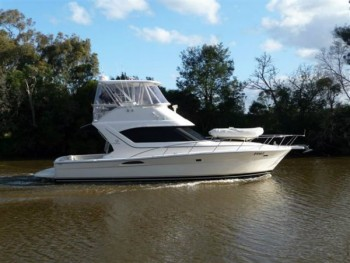 MARINER 3850 FLYBRIDGE CRUISER