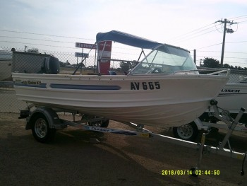 QUINTREX FISHABOUT 4M SEEKER FOR SALE