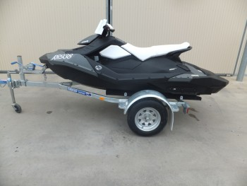 2014 SEADOO SPARK 90HP 3 UP(11HOURS)