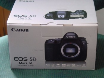 SELLING : Canon EOS 5D Mark IV,Canon EO