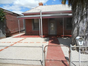 Handy House to rent in Henty NSW