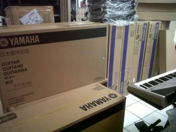 Yamaha Tyros 5 76-Key Arranger Workstat