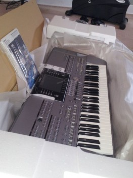 Yamaha Tyros5-76 - Arranger Workstation