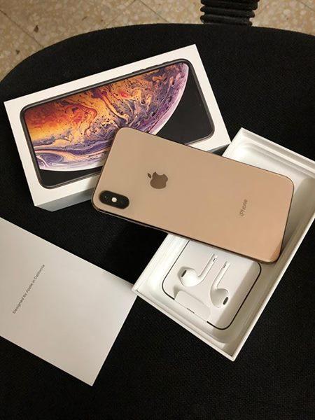 iPhone Xs Max Whatsapp +16137065737