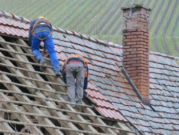 When Do You Need A Roof Plumber?