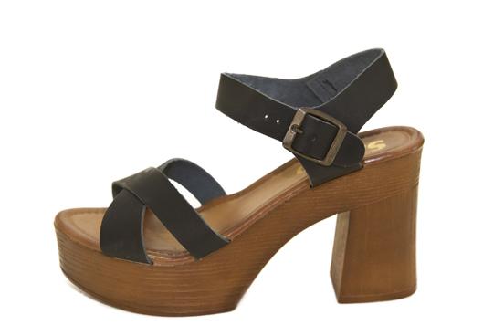 Elegant Range of Exclusive Women Shoes