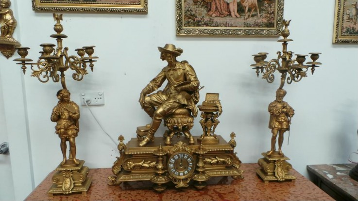 One of the Leading Antique Shop Near Syd
