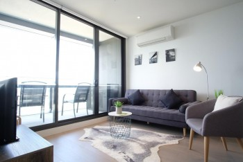 2 bed to rent on Collins Street, Melbour