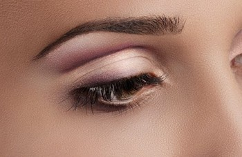 Rediscover Your Eye's Beauty Right here at Ibrow Threads!