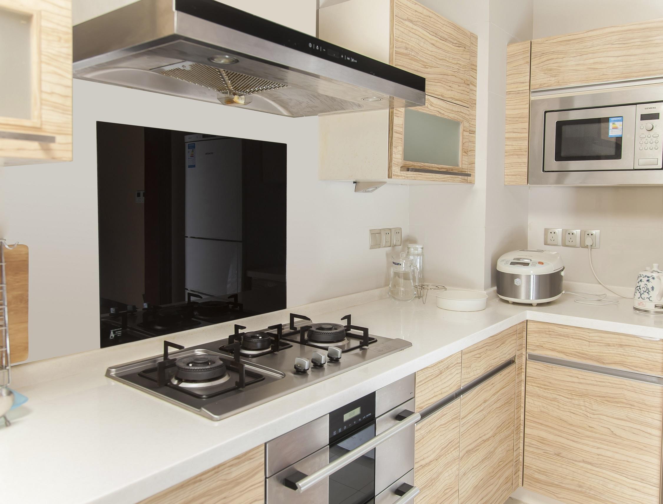 Toughened 60cm x 70cm Black Glass Kitchen Splashback  Z2610