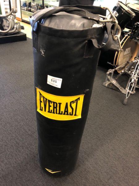 Everlast Punching Bag DK124065
