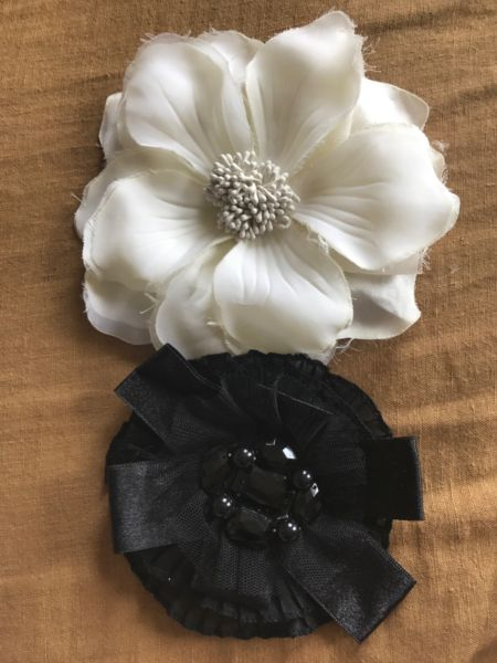 Flower headpieces or brooches