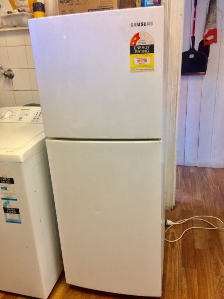 Samsung fridge/freezer-220L, nearly new