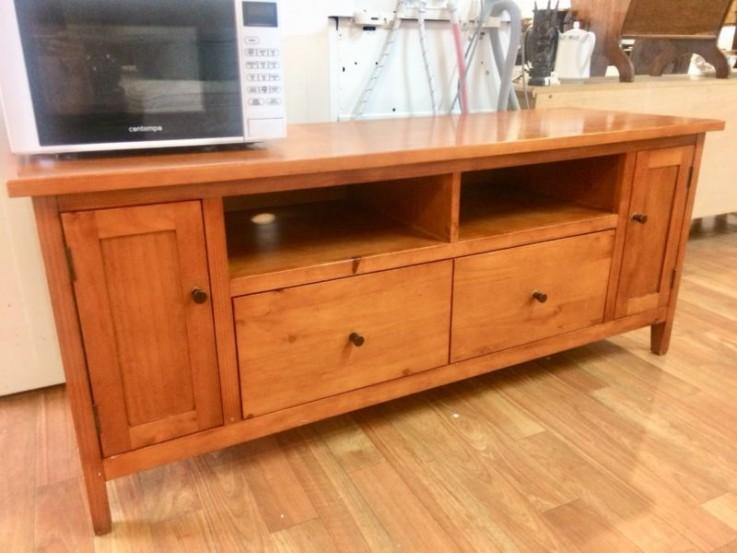 Wooden TV table/entertainment unit