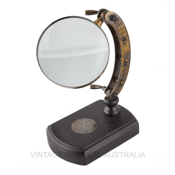 Magnifying Glass – Engraved Arc on Wood