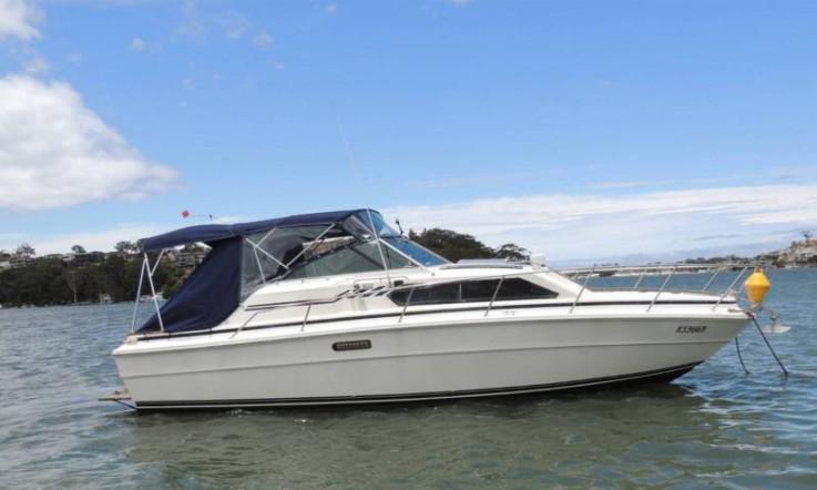 Sea Ray 31 Sports Cruiser